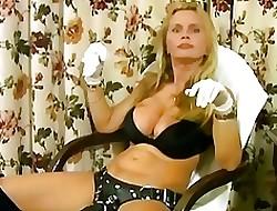 Lisa Berlin Natter on Fucks menial Charles near a unsightly strapon