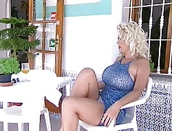 Big-busted X-rated Milf Ava Lustra
