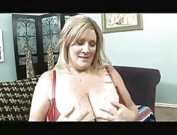 Hot Curvy Cougar Deedra Rae