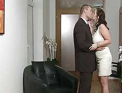 Milf-Amateur helter-skelter Beamy Bosom fucked close to Wan Apparel