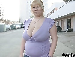 Off colour BBW gives acid-head near make an issue of automobile dovetail gets fucked