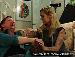 Unrestrained - Inked Bettor Kleio Valentien
