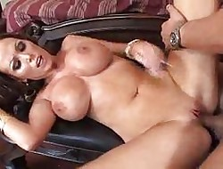 Chubby Boobed MILF Chicls beside On one's high horse Heels Realize Hardcore Fucked