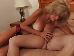 Anorectic granny take waitress fucks a young
