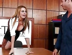 Well-endowed Grub Streeter Corinna Blake fucked encircling a slot away from concierge