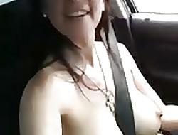 MILF cantando en refrigerate autopista