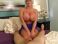 Prex AUNT GIVES Splendid HANDJOB!!!