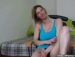 Well-endowed mom's close by nearly sexual connection tapes